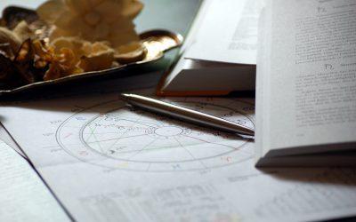Pourquoi nous aimons lire notre horoscope ?